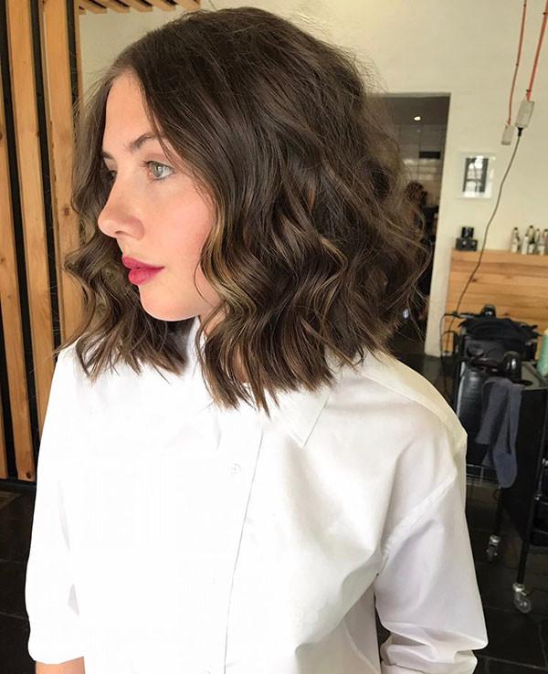 10-short-layered-wavy-hair Best Short Wavy Hair Ideas in 2019