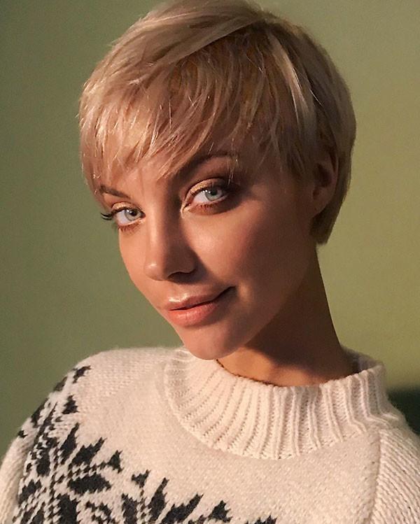 Blonde-Pixie-Cut-2019 New Pixie Haircut Ideas in 2019
