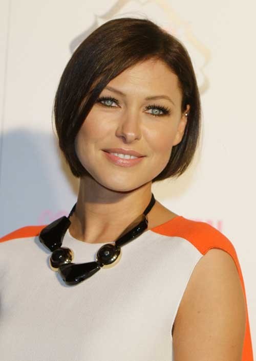 Chic-Dark-Short-Bob-Fine-Haircut Short Straight Hairstyles for Fine Hair