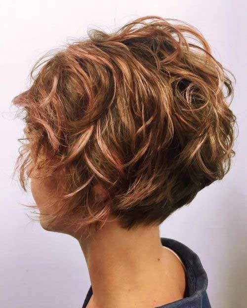 Curly-Pixie-Bob-Hair Pixie Bob Haircuts for Neat Look