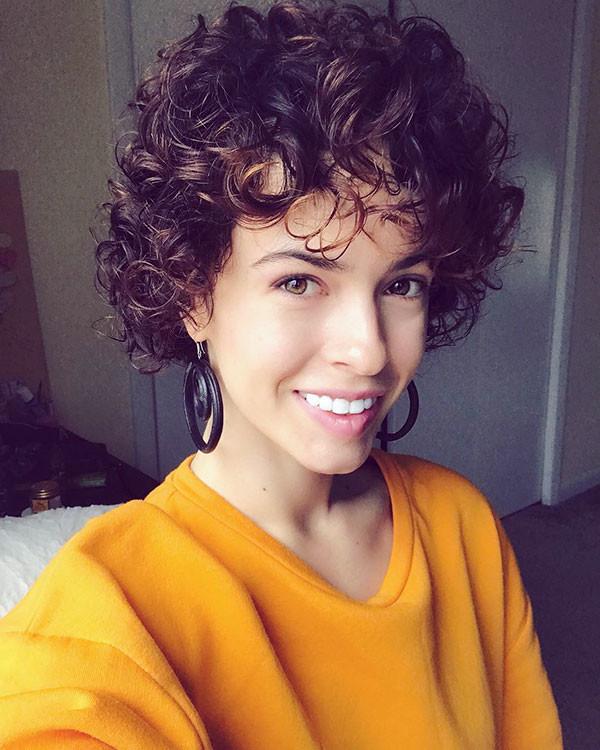 Cute-Curly-Pixie-Cut Best Short Curly Hair Ideas in 2019