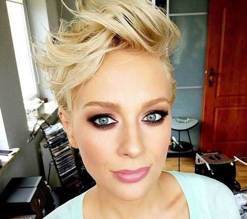Hairstyle-for-Girls Stylish Pixie Haircuts Every Women Should See
