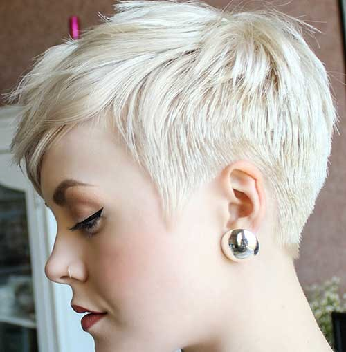 Layered-Pixie-Cut-1 Attractive Pixie Haircuts for Beautiful Women