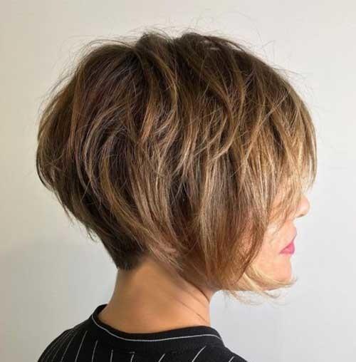 Layered-Short-Haircut Pixie Bob Haircuts for Neat Look