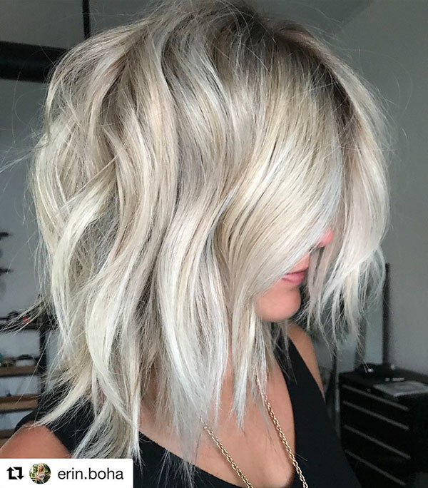 Loose-Curly-Inverted-Lob New Short Blonde Hairstyles