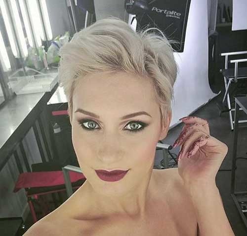 Modern-Blonde-Pixie-Hair Stylish Pixie Haircuts Every Women Should See