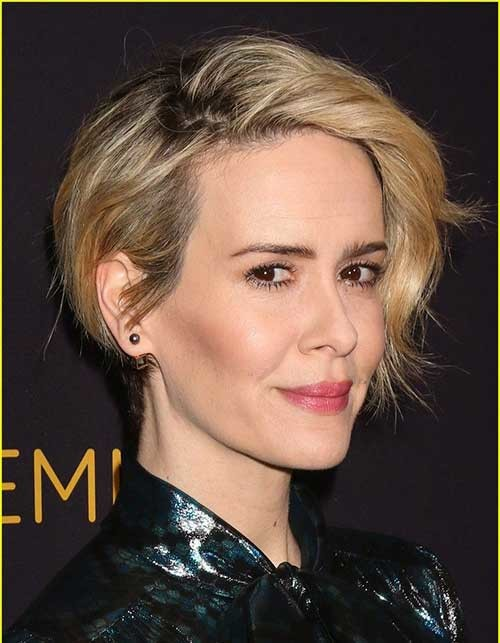 Sarah-Paulson Attractive Pixie Haircuts for Beautiful Women