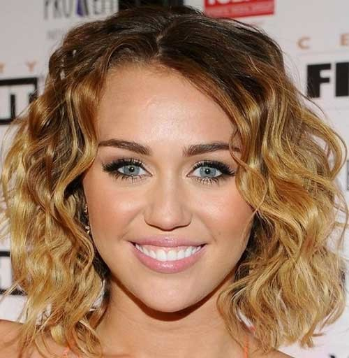 Sexy-Short-Wavy-Hair Short Haircuts for Wavy Hair