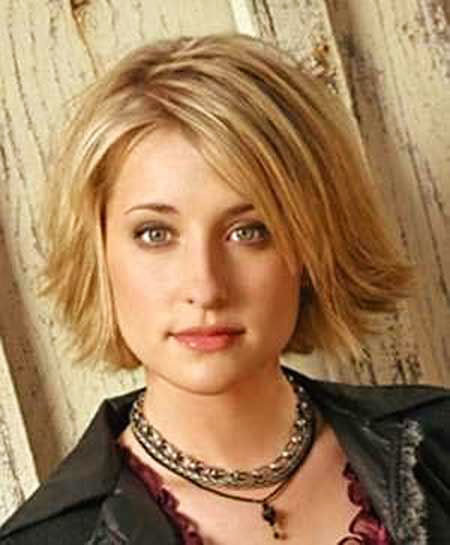 Short-Chin-Length-Hair Short Haircuts for Women with Round Faces
