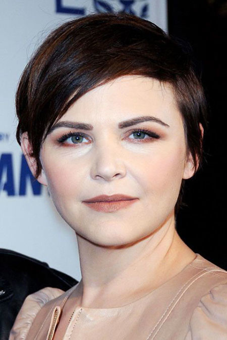 Short-Dark-Hair Short Haircuts for Women with Round Faces