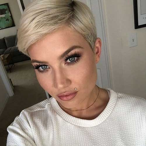 Side-Parted-Short-Pixie Best Short Fine Hairstyles Women 2019
