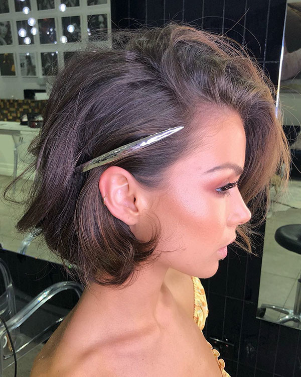 Side-Parted Wedding Hairstyles for Short Hair 2019