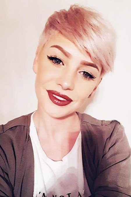 Sleek-Pixie-Hair Short Haircuts for Women with Round Faces