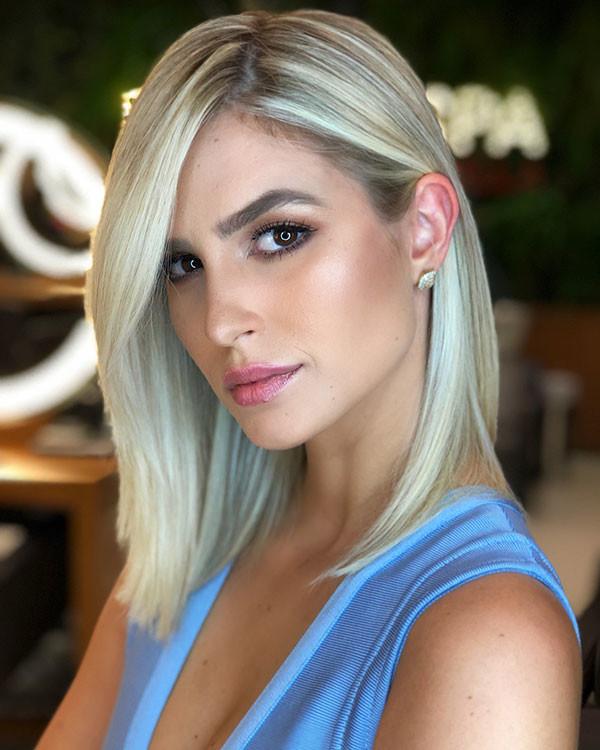 Straight-Fine-Lob Popular Short Hairstyles for Fine Hair
