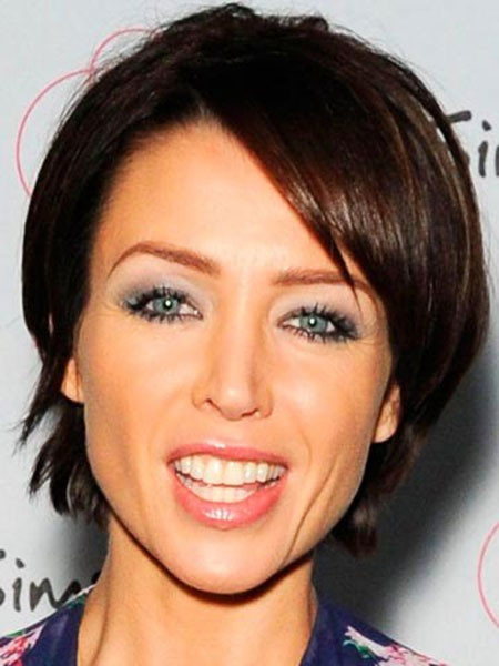 The-Chic-Style-Short-Straight-Hairstyle Popular Short Straight Hairstyles
