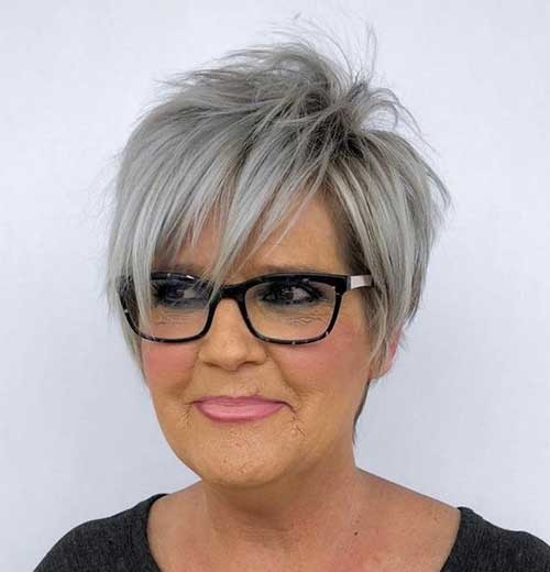 Thin-Hair-with-Layers Chic Short Haircuts for Women Over 50