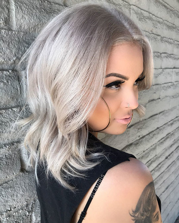 Wavy-Ends-1 Popular Short Hairstyles for Fine Hair