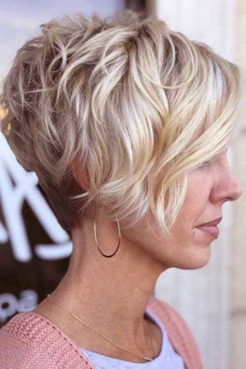 Wavy-Pixie-Bob Pixie Bob Haircuts for Neat Look
