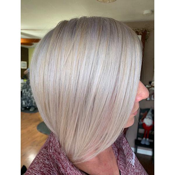White-Blonde-Fine-Bob Popular Short Hairstyles for Fine Hair