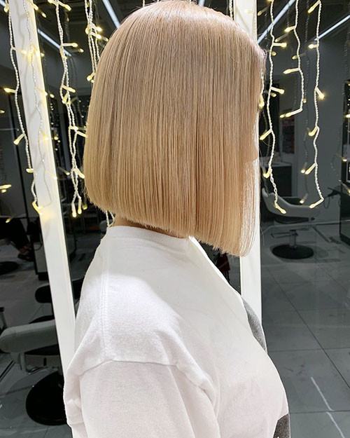 20-straight-blonde-bob Famous Blonde Bob Hair Ideas in 2019
