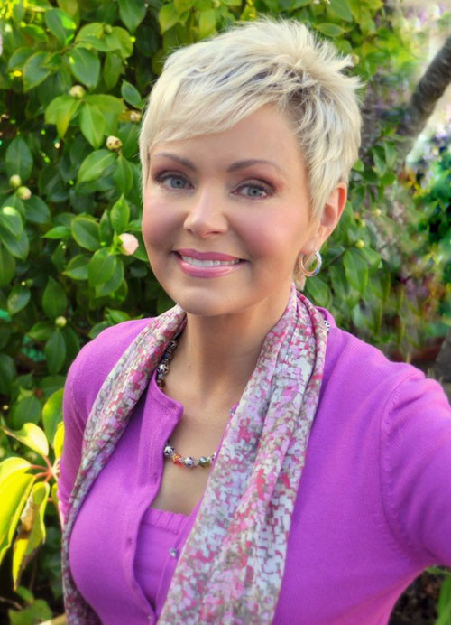 21-pixie-haircuts-for-older-women Beautiful Pixie Cuts for Older Women 2019