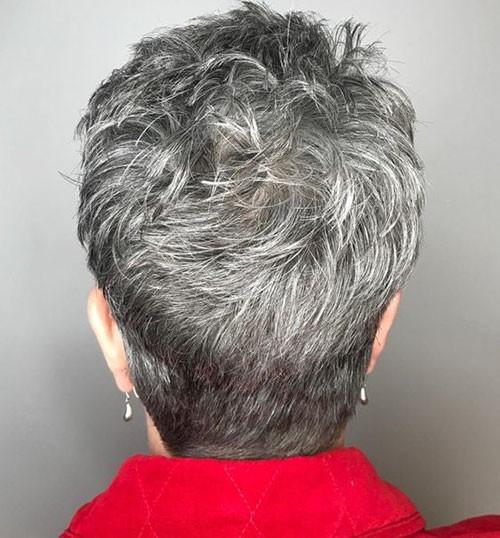 32-older-women-pixie-cut Beautiful Pixie Cuts for Older Women 2019