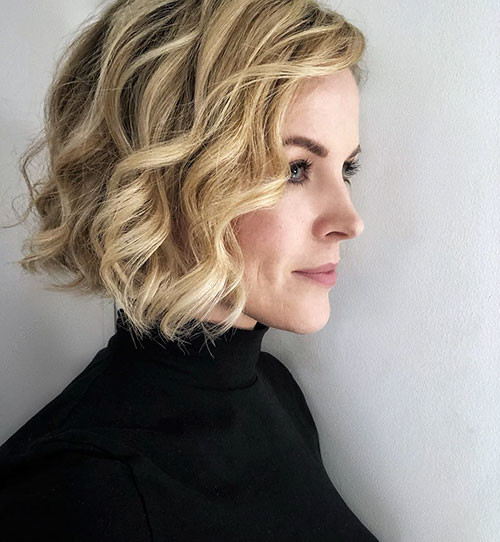 Blonde-Curly-Bob-1 Famous Blonde Bob Hair Ideas in 2019