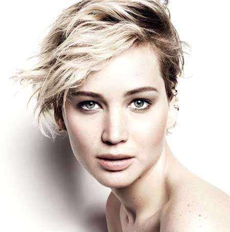 Blonde-Daring-Long-Pixie Beautiful Short Celebrity Hairstyles
