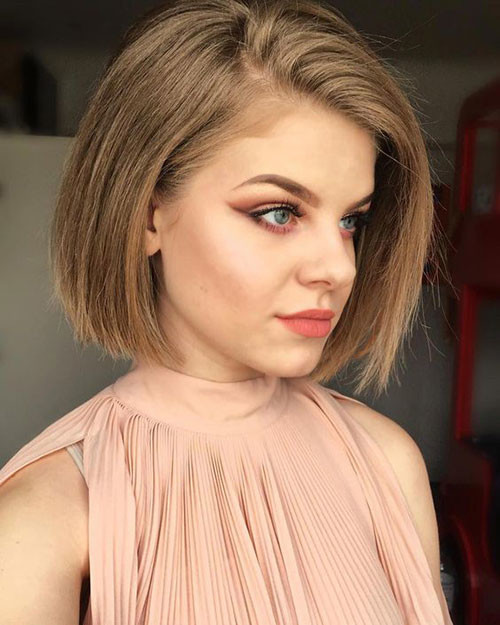 Blunt-Bob-Cut Latest Short Haircuts for Women 2019