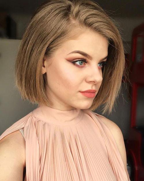 Blunt-Bob-Cut Latest Short Haircuts for Women 2019
