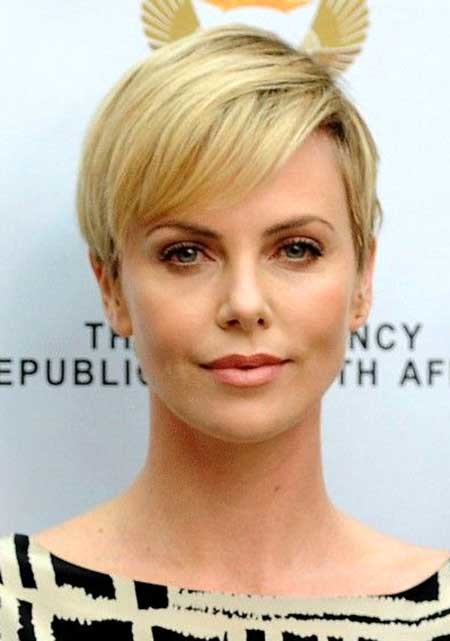 Cute-Blonde-Pixie-Hair Beautiful Short Celebrity Hairstyles