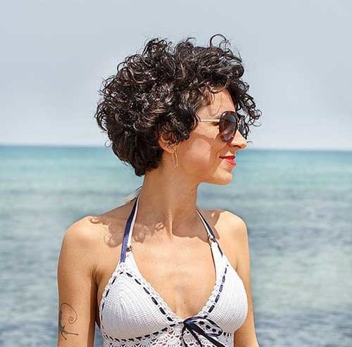 Cute-Hairstyle-for-Short-Curly-Hair Cute Curly Short Hairstyles for Ladies