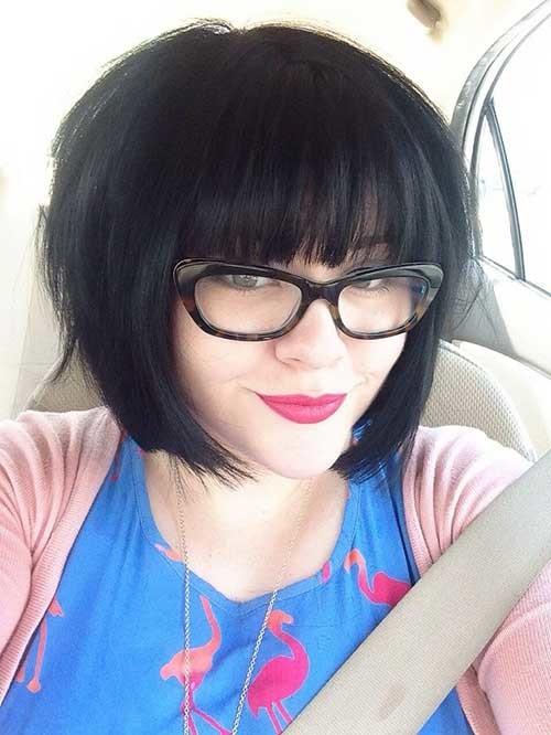 Cutest-Short-Dark-Cut-with-Bangs-for-Thick-Hair Short Bob Haircut with Bangs