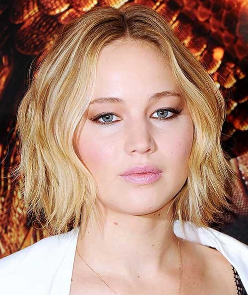 Jennifer-Lawrence-Wavy-Bob-for-Round-Faces Bob Cuts for Round Faces