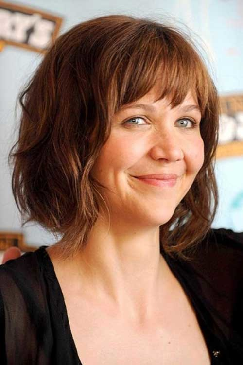 Maggie-Gyllenhaal-Wavy-Hairdo-with-Bangs-for-Round-Faces Bob Cuts for Round Faces