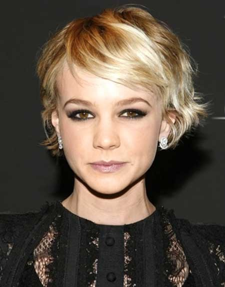 Short-Blonde-Interesting-Wavy-Look Beautiful Short Celebrity Hairstyles