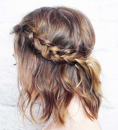 Side-Braid-Hairstyle-with-Bouncy-Top Short Braided Hairstyle
