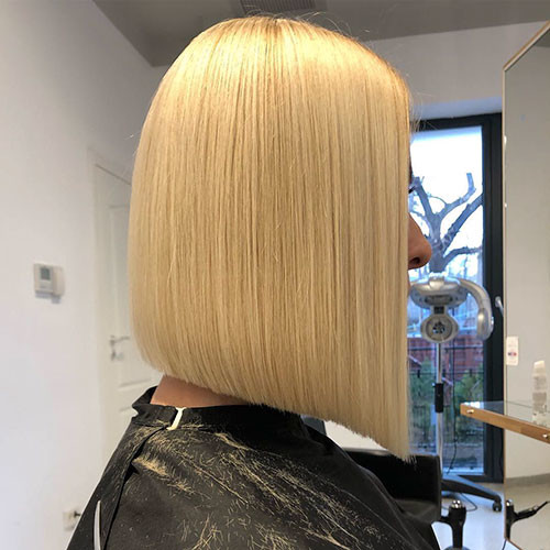 Straight-Blonde-Bob Famous Blonde Bob Hair Ideas in 2019