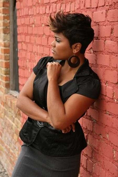 The-Cool-Pixie-Haircut-with-Spiky-Front Nice Short Hairstyles for Black Women