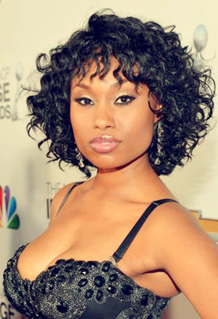 The-Cool-and-Charming-Curly-Bob-Hair Nice Short Hairstyles for Black Women