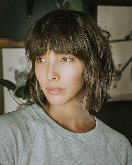 Trendy-Hair Best Short Layered Bob With Bangs