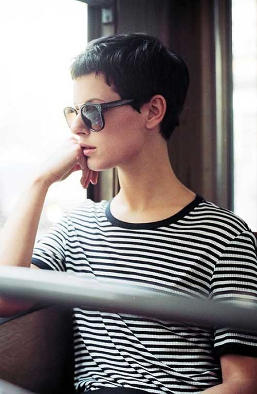 Very-Short-Dark-Hairstyle Really Adorable French Style Short Haircuts