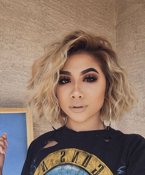 Wavy-Curly-Bob Latest Short Haircuts for Women 2019