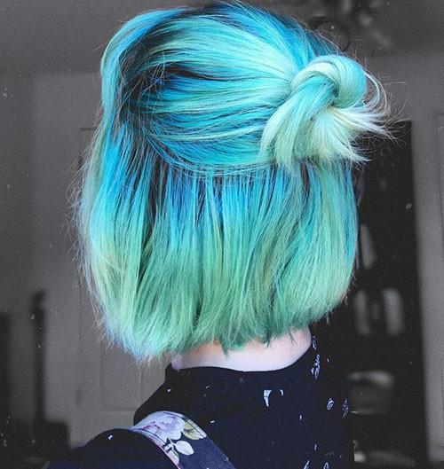 14-short-hair-with-blue-highlights Popular Short Blue Hair Ideas in 2019