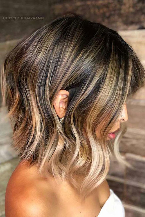 Angled-Wavy-Bob-Style Best Wavy Bob Hairstyles You will Like