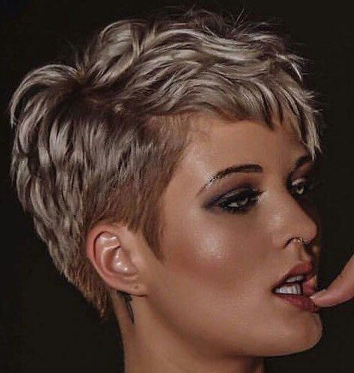 Blonde-Hot-Pixie-Style Sweet and Sexy Pixie Hairstyles for Women