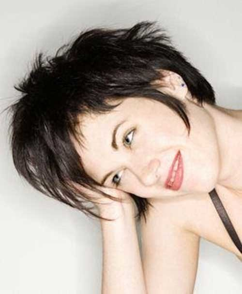 Brunette-Messy-Long-Pixie-Haircut-for-Girls Long Pixie Haircuts