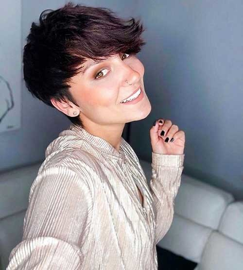Cute-and-Simple-Pixie-Cut Simple Short Hairstyles for Pretty Women