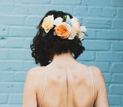 Flower-Crown-on-Back-of-Hair Best Short Hairstyles for Wedding You Should See