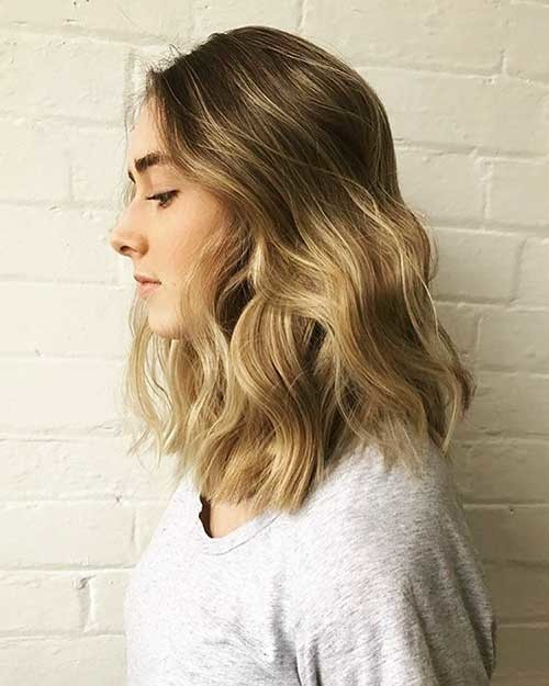 Highlights-Finished-with-Undone-Waves Cool Short Hairstyles You Can Rock This Summer